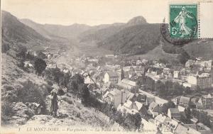 France Mont Dore valee de la dogne et le capucin vue generale