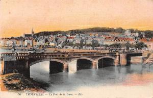 France Trouville - Le Pont de la Gare, Bridge, Bruecke, boats 1918