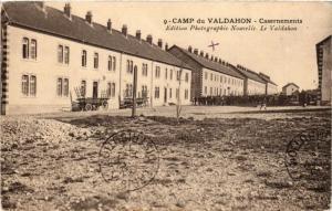 CPA MILITAIRE Camp du Valdahon-Casernements (315998)