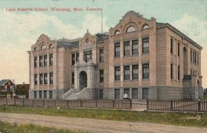 WINNIPEG , Manitoba , 1915 ; Lord Roberts School
