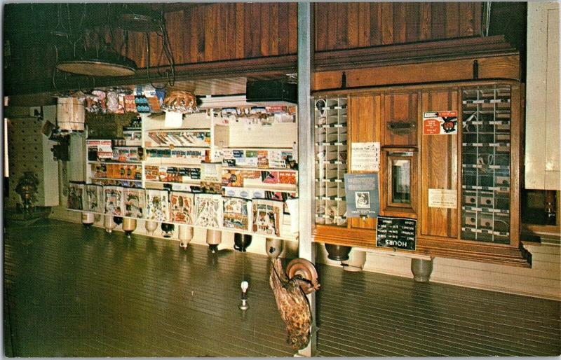 President Coolidge Birthplace, Coolidge Country Store, Plymouth VT Postcard M11