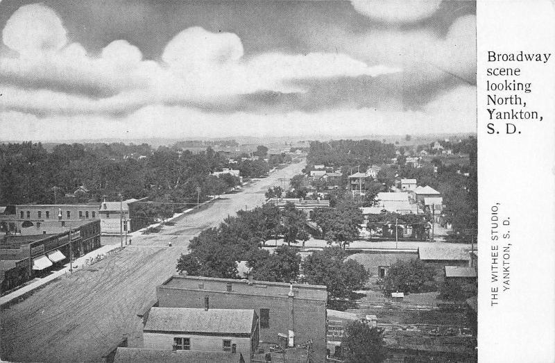Yankton South Dakota~Broadway Scene~Looking North~1906 Withee Studio Postcard
