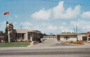 NIAGARA FALLS, Ontario, Canada; The Ambassador Hotel, Classic Cars, 40-60s