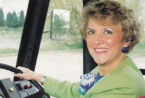 Teresa Gorman Billericay Conservative MP Campaign Postcard Hand Signed Photo