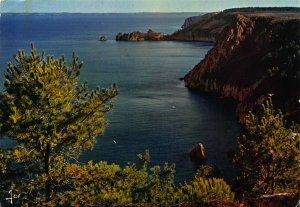 France Presqu'Ile de Crozon Les Falaises Dominant Saint Hernot Postcard