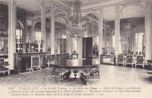 France Versailles Le Grand Trianon Le Salon Glases