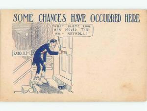 Pre-Linen Comic DRUNK MAN CAN'T FIND THE KEYHOLE AB8450