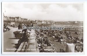 tq0121 - Yorks - Princess Mary's Wall & South Shore, at Bridlington - postcard