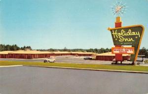 Raleigh North Carolina Holiday Inn Vintage Postcard J926648