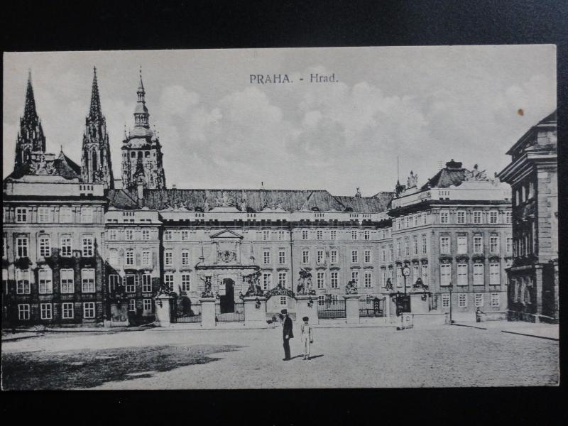Czech Republic: Prague, PRAHA - Hrad - Old Postcard Pub by V.K.K.V.