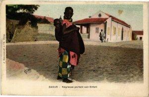 CPA AK Senegal-Dakar-Négresse portant son Enfant (235480)