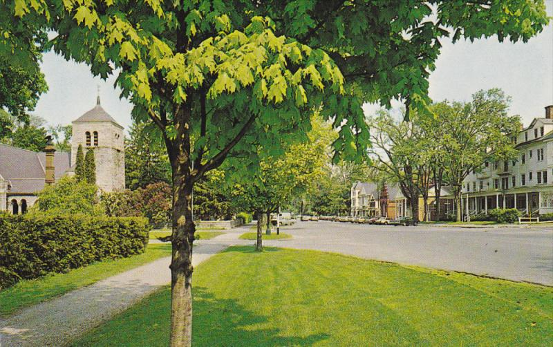 Main Street , STOCKBRIDGE , Massachusetts , 50-60s