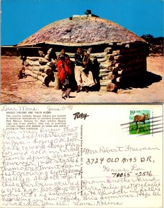 Navajo Indians and Their Hogan (10117)