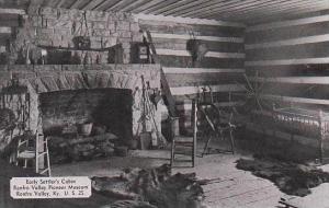 Kentucky Renfro Valley Interior Early Settlers Cabin Renfro Valley Pioneer Mu...