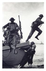 Nostalgia Postcard WW2 British Tommies Training c1940 Reproduction Card NS38