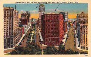 US Mich. Detroit, Grand Circus Park showing Washington Blvd. and Statler Hotel