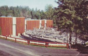 Pavilion des Gras Mammiferes, Zoo de Felicien, Lac St. Jean, Provicne of Queb...