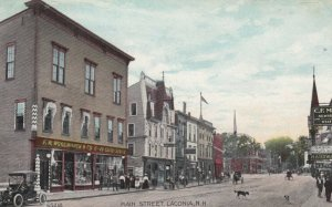 LACONIA , New Hampshire , 00-10s ; Main Street