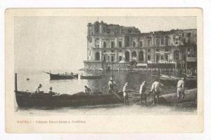 NAPOLI , Italy , 00-10s   Palazzo Donn'Anna a Posillipo, Fishermen