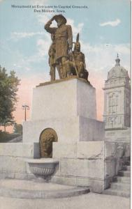 Iowa Des Moines Monument At Entrance To Capitol Grounds Curteich