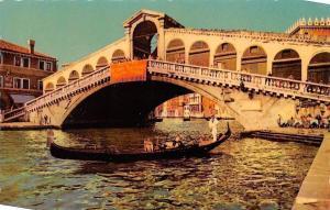 Italy Venezia The Rialto Bridge, Le Pont de Rialto Gondola