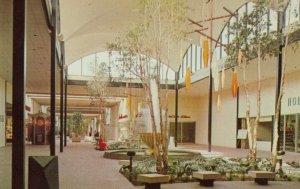 EDGEWATER , Mississippi, 50-60s ; Edgewater Plaza Mall