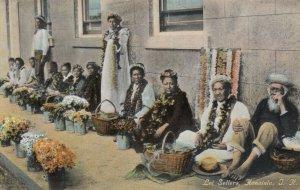 HONOLULU , HAWAII , 1900-10s ; Lei Sellers