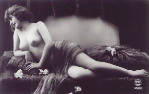 HR-08 - Handmade Risque Semi-Nude French Woman New Picture Postcard