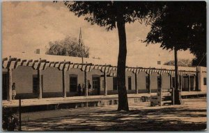 Santa Fe New Mexico Postcard PALACE OF THE GOVERNORS Meriden Co. c1940s Unused