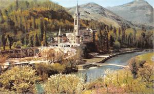 France Lourdes La Basilique le Gave et les nouveaux Ponts Bridge