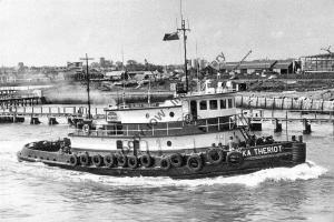 ap0844 - American Tug - Eliska Theriot , built 1967 - photo 6x4