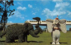 9768 Walt Disney World. Strolling Topiary Lane, Dumbo