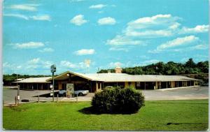 Durham, North Carolina Postcard CHESTERFIELD MOTEL Route 70 I-85 Roadside