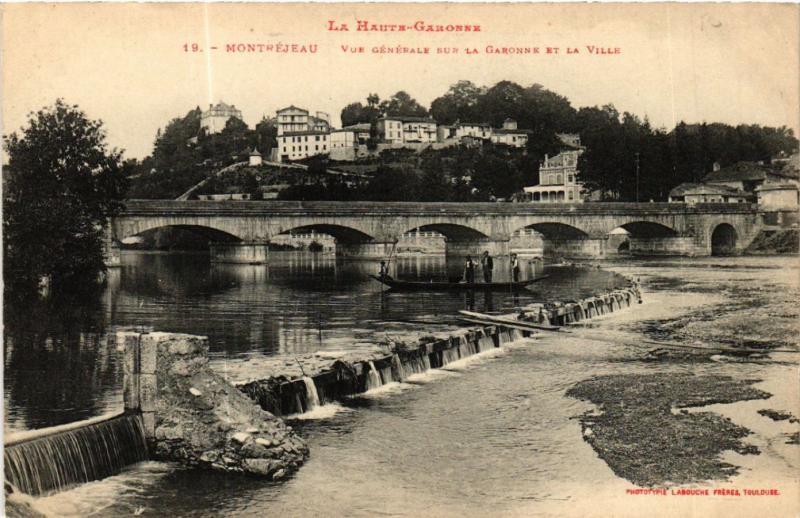 CPA MONTREJEAU - Vue générale sur la GARONNE et le (583058)