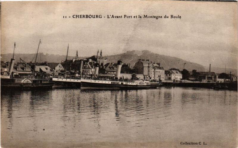 CPA CHERBOURG - L'Avant Port et la Montagne du Roule (246135)