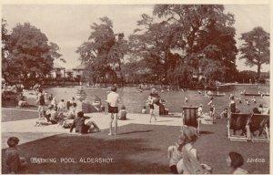 ALDERSHOT , UK , 1940s ; Bathing pool