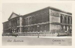RP: CHICAGO, Illinois, 20-40s; Art Institute