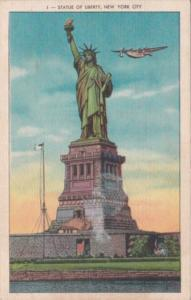 New York City Statue Of Liberty 1943