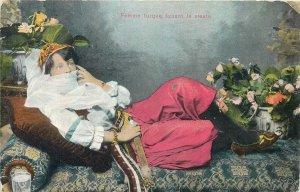 Turkey Femme turque faisant la sieste Postcard