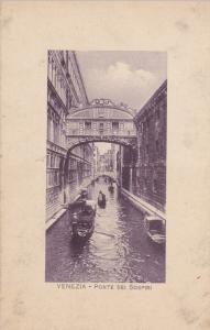 Ponte Dei Sospiri, Gondolas, Venezia, Veneto, Italy, 00-10s