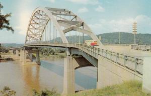 Fort Henry Bridge , WHEELING , West Virgina , 50-60s