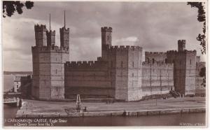 Post Card WALES Gwynedd CAERNARVON CASTLE Eagle Tower & Queen's Tower