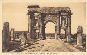 Tunisia Ruines Romaines de Timgad Arc de Trajan