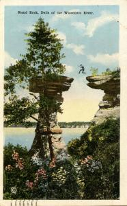 WI - The Dells. Stand Rock