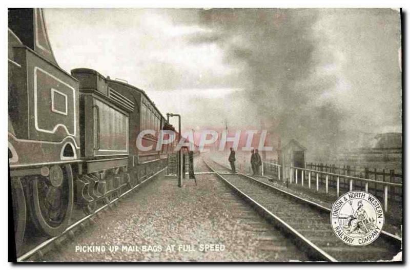 CPA Train Locomotive Picking up mail bags at full speed London & North Railway C