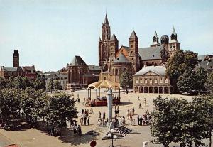 Netherlands Maastricht, Vrijthof met St. Servaaskerk en St. Janskerk