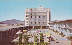 KELOWNA, British Columbia, Canada, PU-1965; Capri Motor Hotel, Swimming Pool