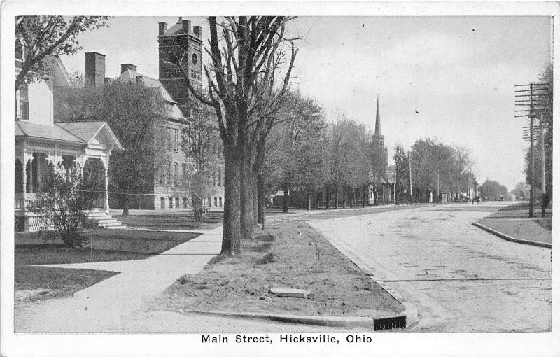 Hicksville Ohio~Main Street~Churches on Left~Horse & Buggy in Distance~1920s Pc