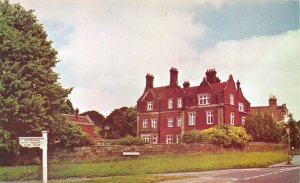 Kent Postcard, Mount Ephraim House W.R.V.S Residential Club, Tunbridge Wells FL2