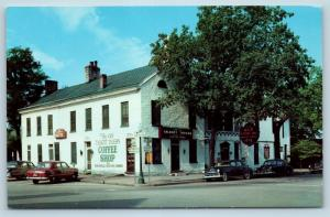 Postcard KY Bardstown Talbott Tavern c1950s Old Cars Street View G25